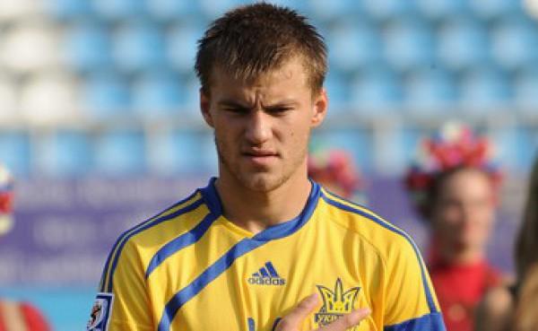 Андрей Ярмоленко готовится к матчу с Черногорией
