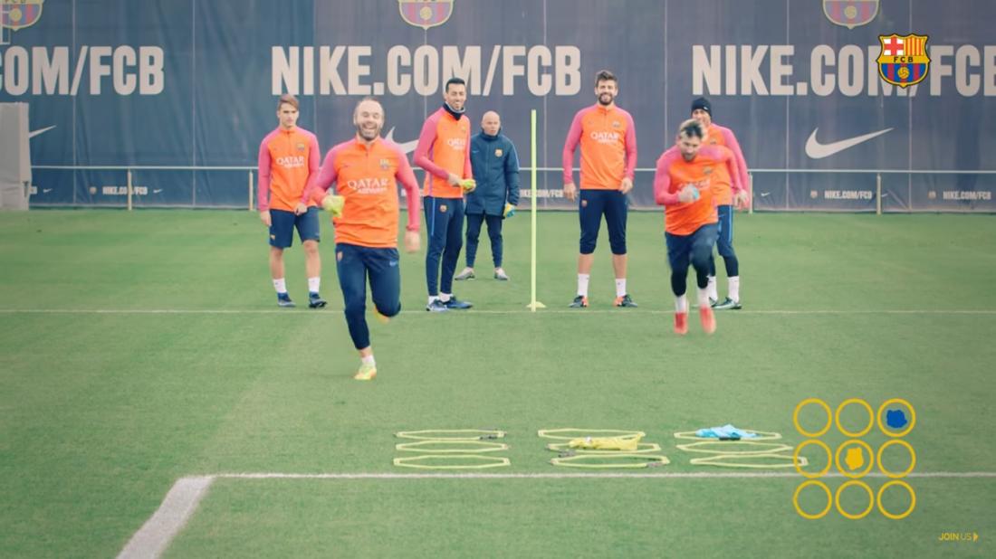 Футболисты Барселоны сыграли в крестики-нолики