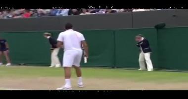 Американский теннисист попал мячиком линейному судье прямо в глаз