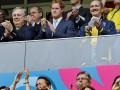 Смелое предложение: Принцу Гарри признались в любви прямо на стадионе (фото)