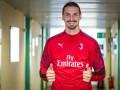 Милан  официально представил Ибрагимовича