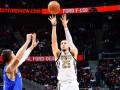 Украинцы в НБА: Михайлюк не смог помочь Лейкерс, Лень набрал 7 очков