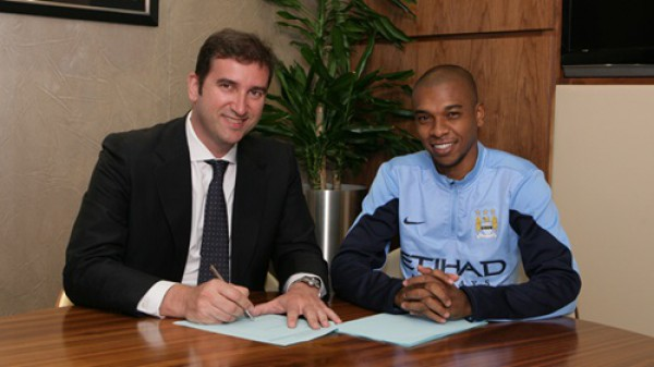 Фернандиньо подписал контракт с Манчестер Сити