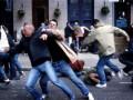 Стенка на стенку. Украинские и российские фаны устроили массовую драку во Львове