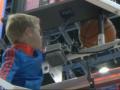 Маленький болельщик помог баскетболистам достать мяч и спас игру