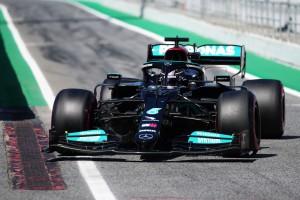 Хэмилтон выиграл сотый поул в Формуле-1