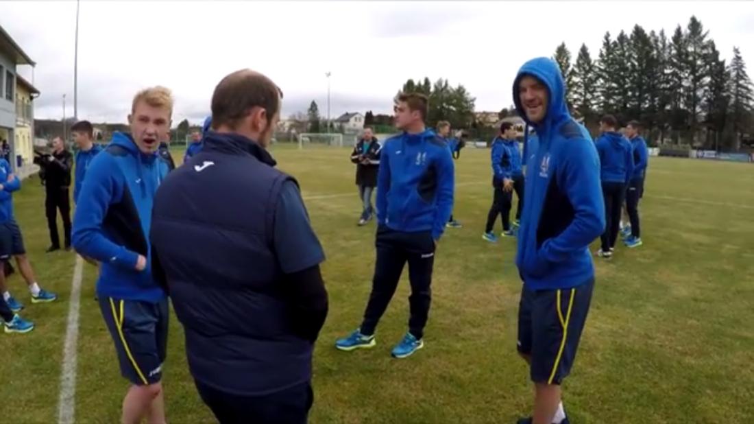 Игроки сборной начали тренировки перед матчем с Хорватией