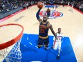 Данк Леброна и победный трехочковый Джинобили в лучших моментах дня в НБА