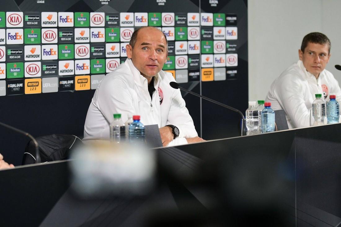 Виктор Скрипник на пресс-конференции в Португалии