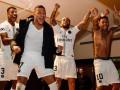 Неймар и Алвес зажгли в раздевалке ПСЖ после победы над Ливерпулем
