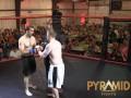 Боец MMA нокаутировал оппонента за четыре секунды