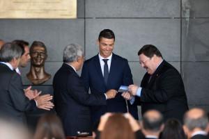 Роналду посетил открытие аэропорта, названного в его честь