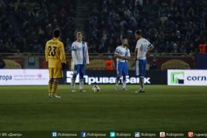 Второй тайм Днепр и Металлист не смогли сыграть из-за отсутствия электричества на стадионе