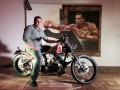 Кличко подарил миллионному зрителю своих боев эксклюзивный байк