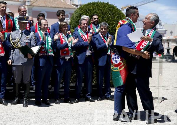 Президент Португалии наградил игроков сборной