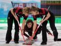 Зимние виды спорта: Керлинг - полировка льда