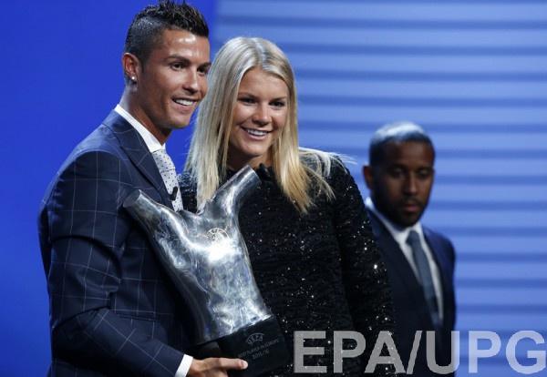 УЕФА признал Аду Хегерберг лучшей футболисткой Европы всезоне 2015/16