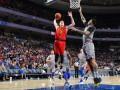 НБА: Лейкерс разгромно проиграл Юте, Атланта с трудом обыграла Филадельфию