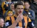 Футболист разбил себе нос об штангу во время матча с МЮ (ВИДЕО)