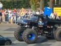 На автошоу в Нидерландах огромный грузовик въехал в толпу зрителей (видео)