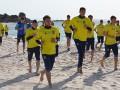 Сборная Украины провела утреннюю тренировку на пляже
