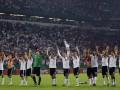 Игроки сборной Германии выступили в защиту украинских бездомных собак