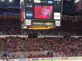 Маленький мальчик очаровал всех зрителей хоккейного матча