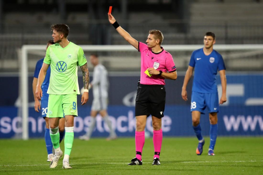 Йоонас Тамм получил красную карточку