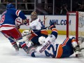 NHL: Рейнджеры разбираются с Островитянами