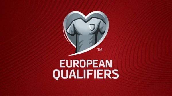 На логотипе бренда изображена футболка национальной команды внутри очертаний сердца