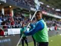 В Швеции остановили матч после того, как футболист запустил в фанатов угловой флаг