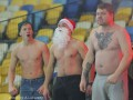 Дед Мороз и зимняя победа: Фотогалерея матча Динамо - Металлург Д
