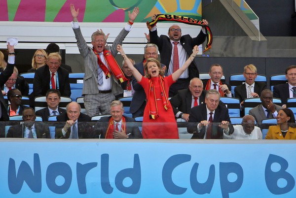 Королева Бельгии Матильда на матче между Бельгией и Россией.