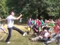 Виталий Кличко научил детей делать танцевальную зарядку