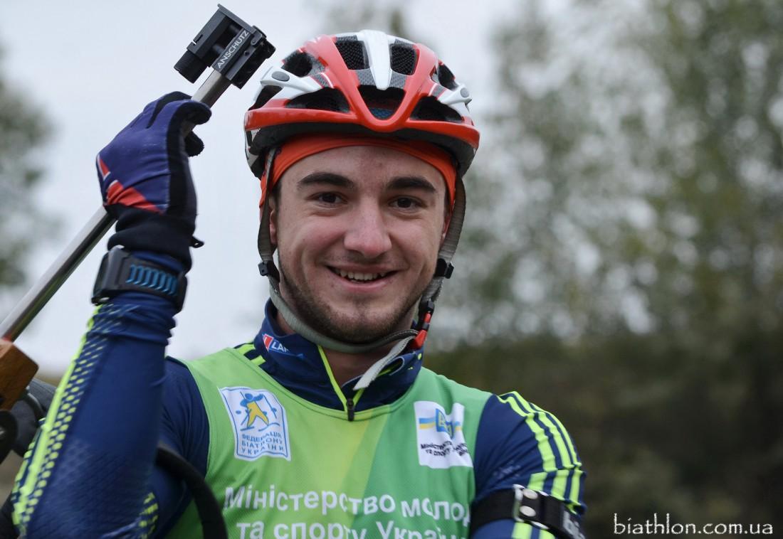 Тарас Лесюк дебютировал на Кубке мира по биатлону