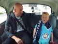 Видео дня: Маленький болельщик был ошарашен, когда увидел Гвардиолу в такси