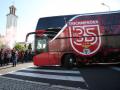 Фанаты Бенфики отправили в больницу Вайгля и Живковича, забросав автобус камнями