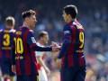 Месси и Суарес необычный розыграш пенальти посвятили легенде Барселоны