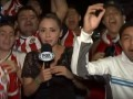 Журналистка избила футбольного фаната в прямом эфире