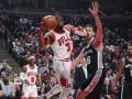 НБА: Чикаго победили Сан-Антонио и другие матчи дня