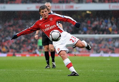 Андрей Аршавин не попадает в основу Арсенала