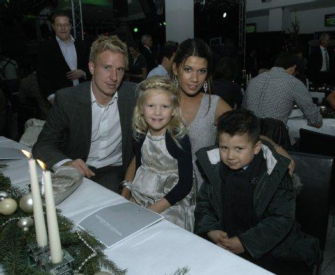 Майк Ханке с детьми