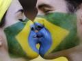 Любовь без границ: Самые яркие поцелуи на ЧМ-2014 (фото)