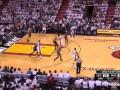 Брутальный баскет. Игроки Майами и Индианы поочередно вырубают друг друга