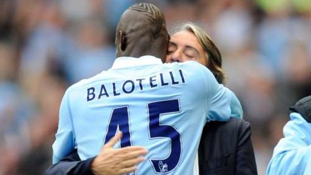 Любовь тренера и футболиста