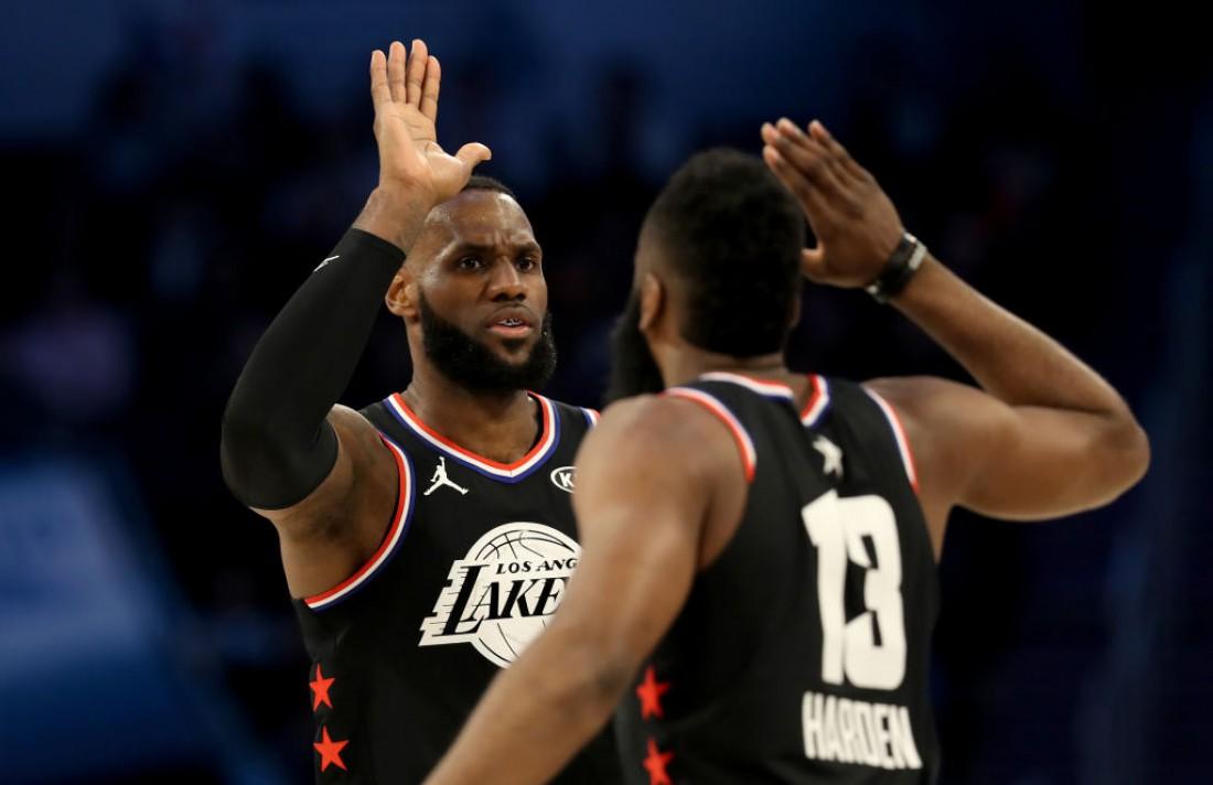 ЛеБрон Джеймс во время Матча всех звезд НБА