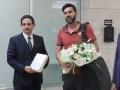 Паулу Фонсеке получил в подарок цветы от турецкой делегации