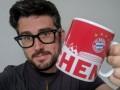 Напросил: Бавария подарила новую кружку своему фанату