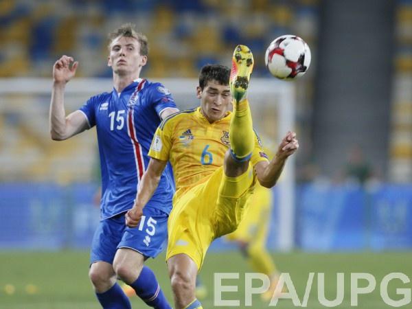 Тарас Степаненко в матче против Исландии