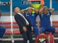 Свободный полет: Лучшие демотиваторы на падение тренера сборной Аргентины